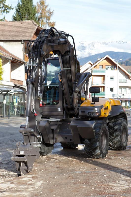 1420532557 mecalac excavator nouvelle12mtx 36