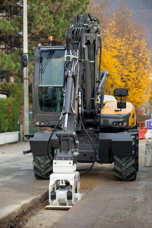 1420532561 mecalac excavator nouvelle12mtx 35